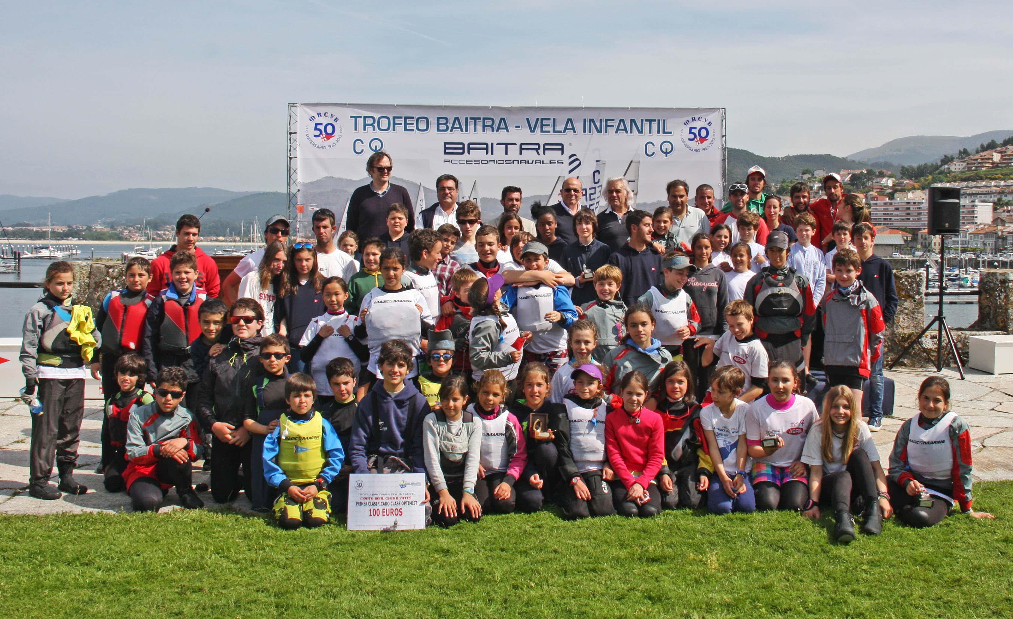 Santiago Moreno en Optimist y Fereyot Simón y María Carneiro en Cadete ganan el Trofeo Baitra de Vela Infantil