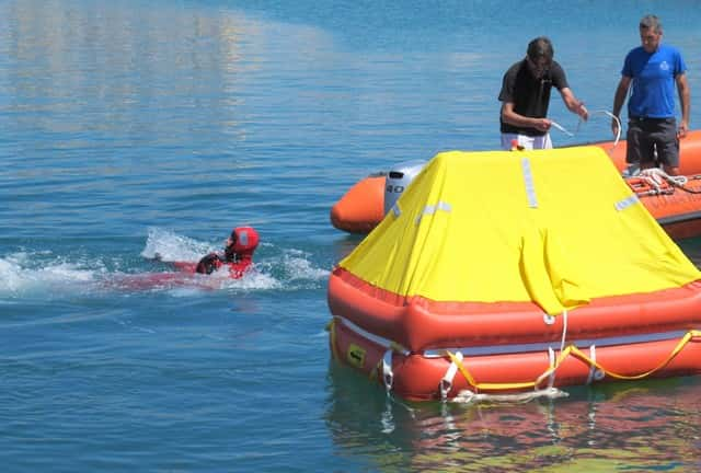 Proyecto de Orden Ministerial por la que se regularán los equipos de seguridad a bordo de las embarcaciones de recreo