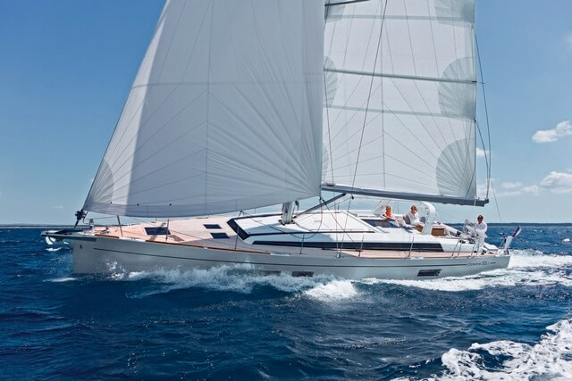Oceanis 55.1, el lujo del gran crucero