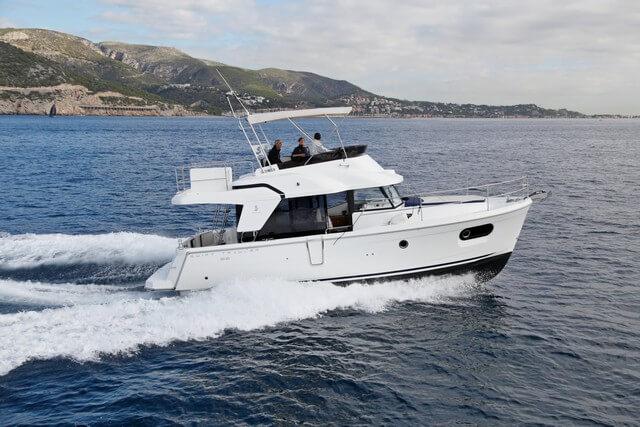 El Swift Trawler 35 se orienta al crucero familiar cómodo