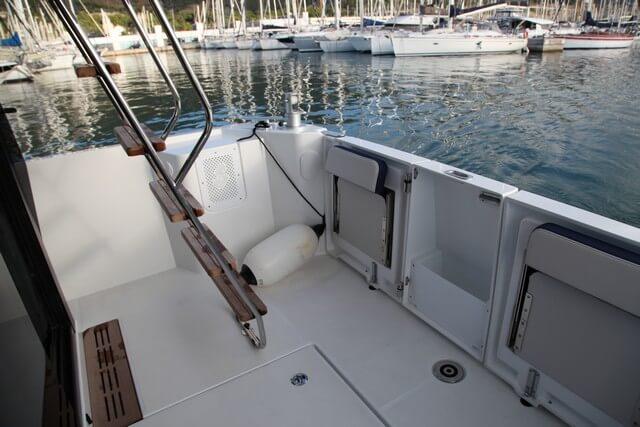 Bénéteau Swift Trawler 35 amplia bañera