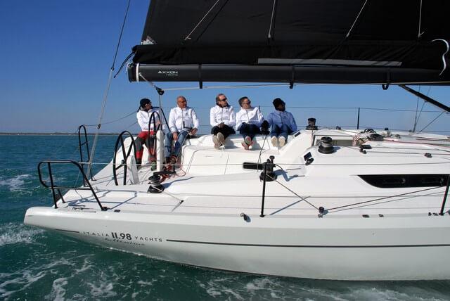 Italia Yacht 11.98 en la laguna de Venecia