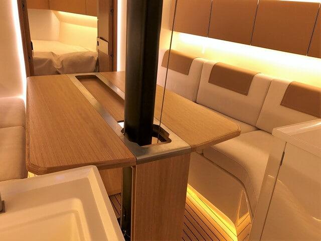 Italia Yacht 11.98 mesa salón