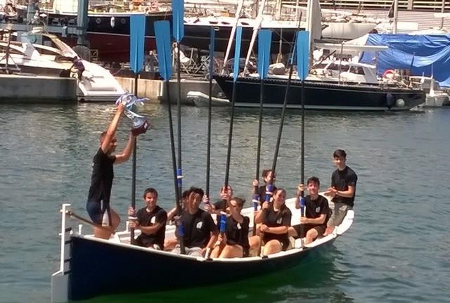 Final de la XIChallengede Remo escolaren el Port de Badalona