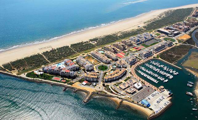 Andalucía, segunda comunidad autónoma en obtener el mayor número de banderas azules a la calidad de sus puertos deportivos y clubes náuticos