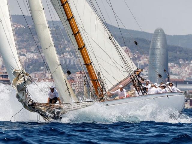 Más de 40 veleros surcarán las aguas de Barcelona en la XII edición de la regata Puig Vela Clàssica Barcelona