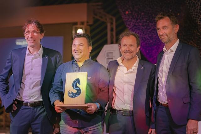 Beneteau premia a Hermanos Guasch con el galardón al mejor servicio a clientes del mundo