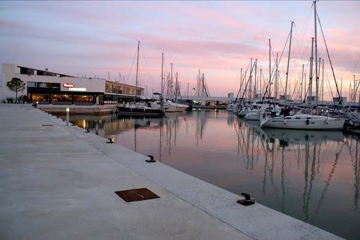 Medidas de apoyo a las instalaciones náuticas adscritas a Puertos de Interés General