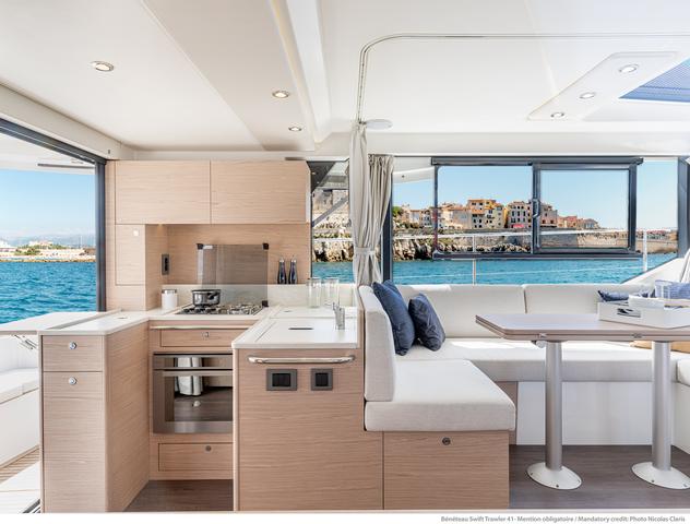 Beneteau Swift Trawler 41 cocina