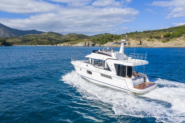 Beneteau Swift Trawler 41  navegando