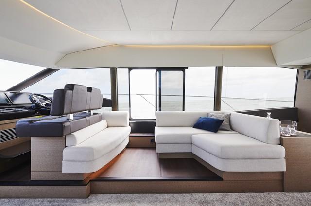Prestige 590 Flybridge