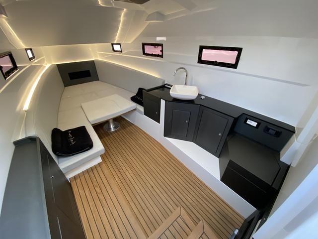 Pirelli 42 interiores