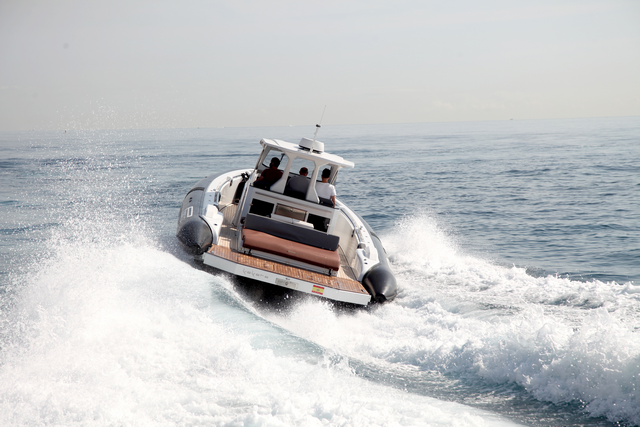 Pirelli 42 navegando
