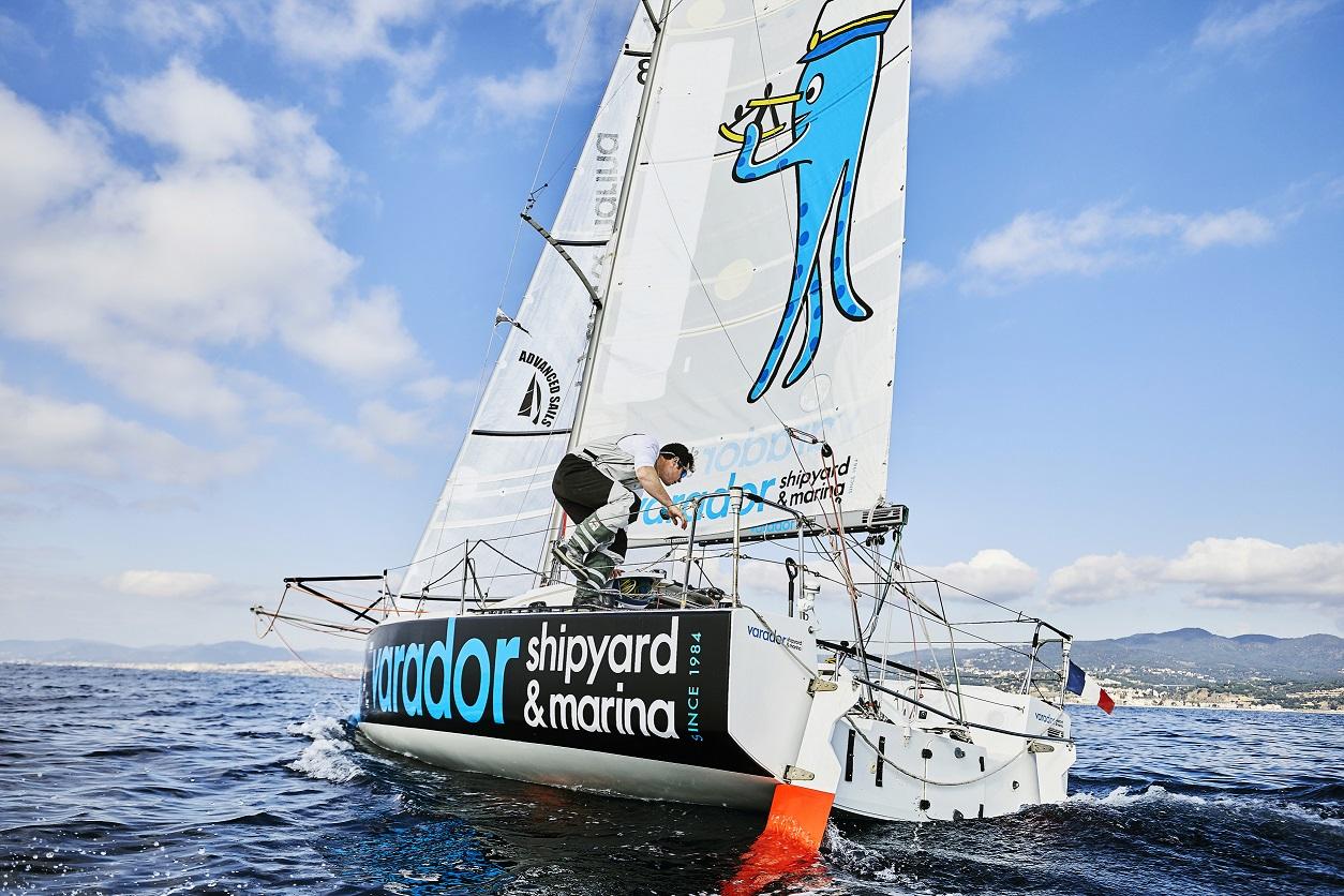 El equipo de regatas Carlos Manera-Varador 2000 participará en la regata transoceànica en solitario Mini Transat 2021
