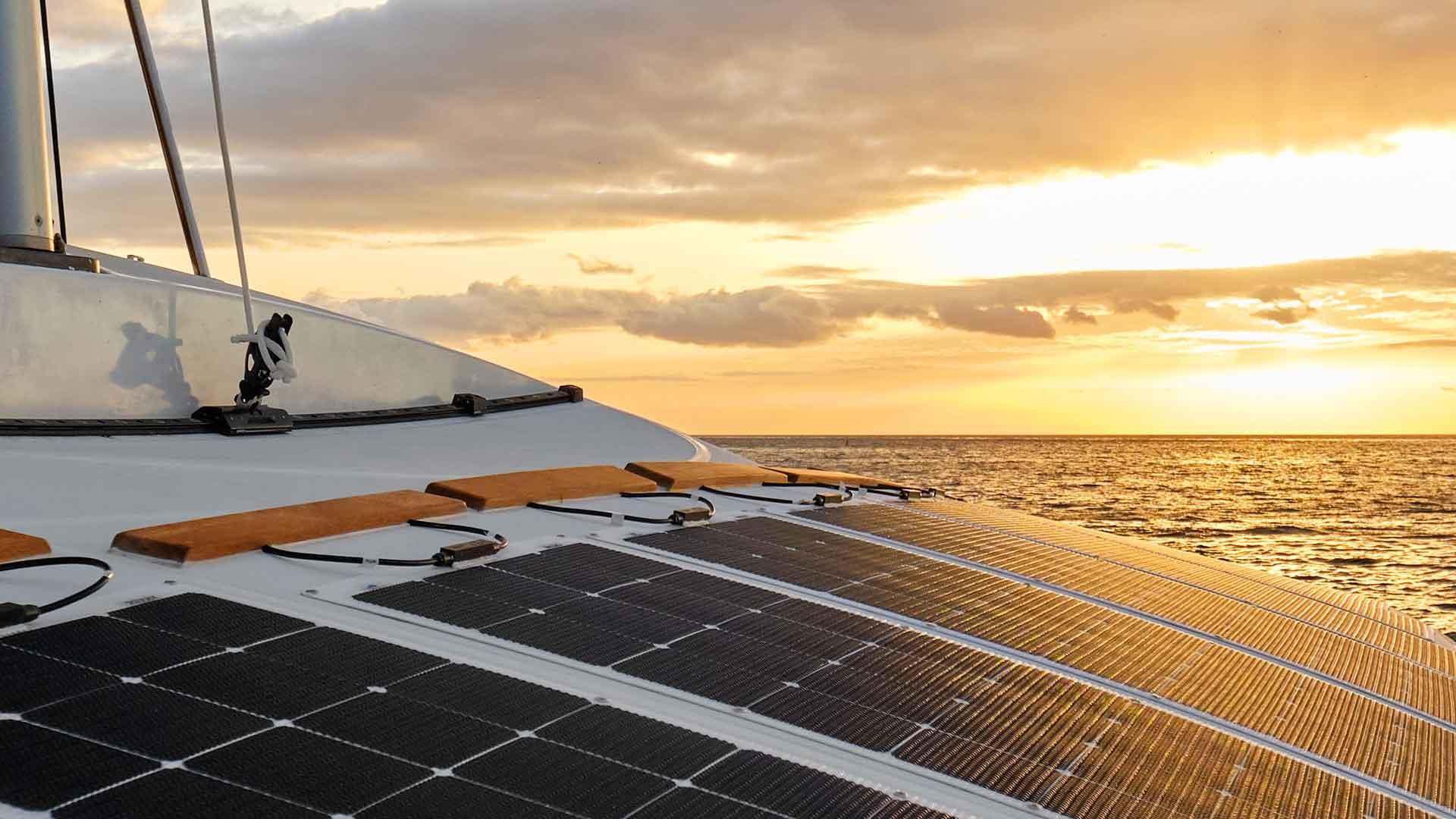 Control de carga solar en el barco