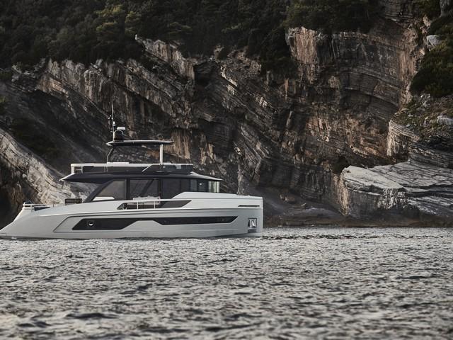 Explorer Motor Yachts 62, realmente único